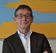 Wethouder Van Velzen zet handtekening in China