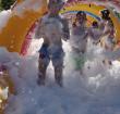 Junis trapt de zomervakantie af met jaarlijkse schuimparty