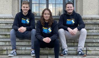 Uniek én hartverwarmend: Raadslid Evon Zevenbergen start kledingactie om de Alphense horeca te steunen