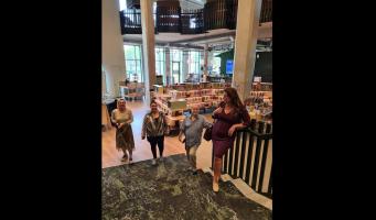 Fractie op werkbezoek bij de bibliotheek